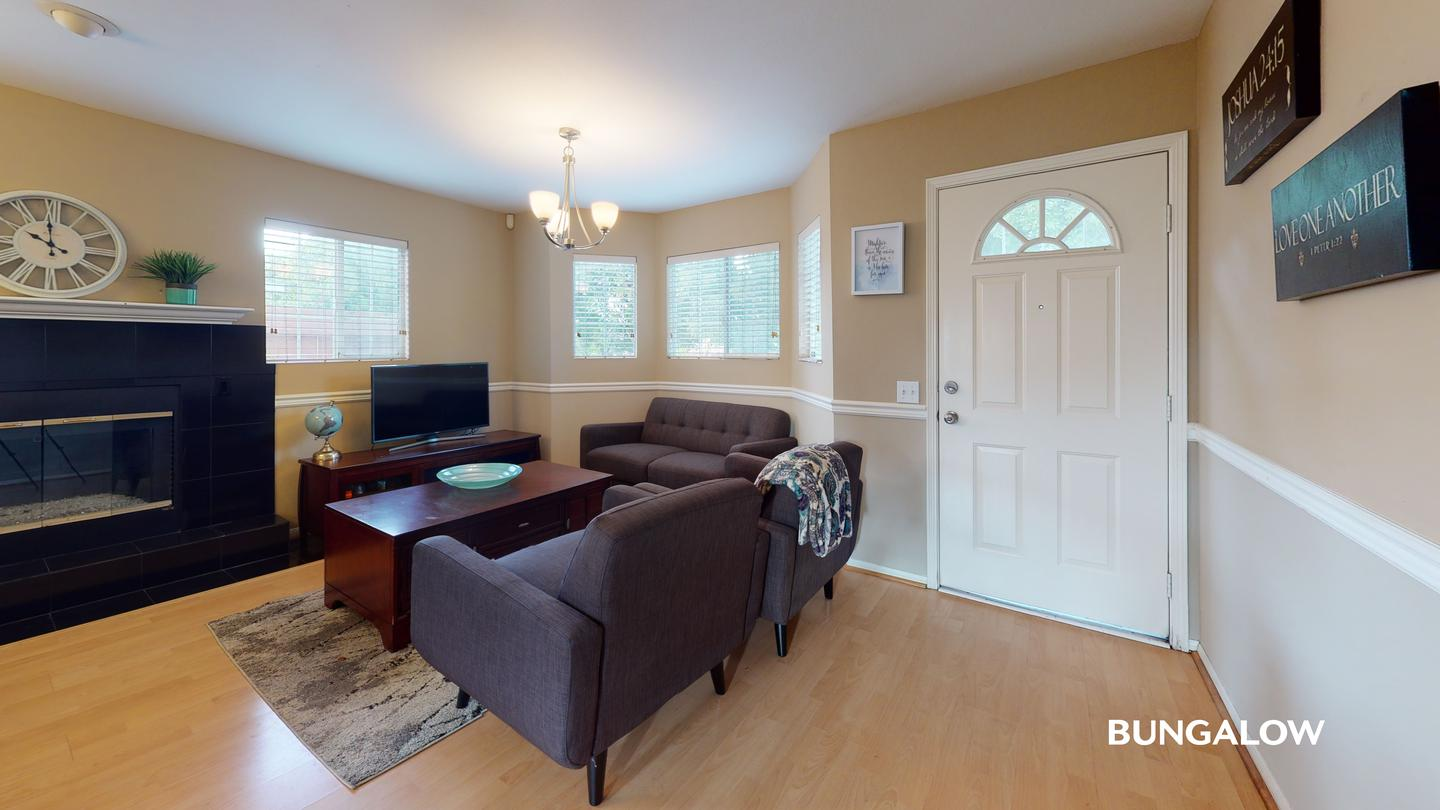 Apartments Near CSUDH Private bedroom in bright Carson home with spacious backyard for California State University-Dominguez Hills Students in Carson, CA