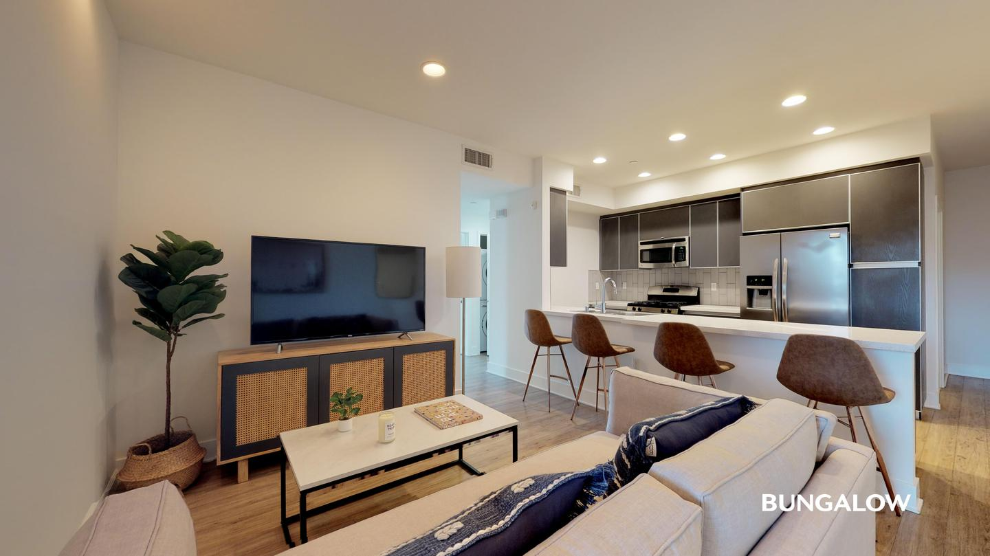 Apartments Near Los Angeles Private Room in Contemporary Hollywood Apartment Near the Dolby Theatre for Los Angeles Students in Los Angeles, CA