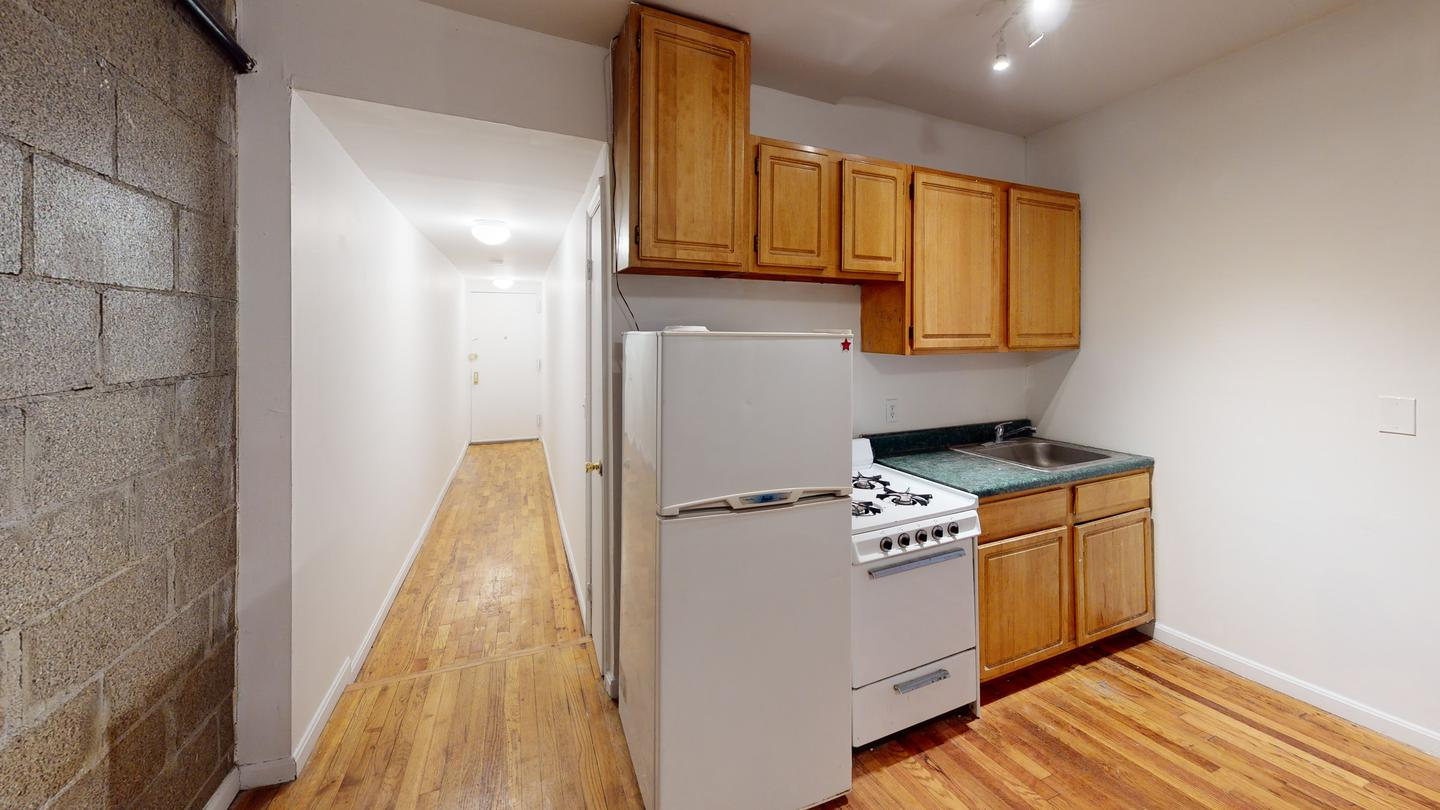 Sublets Near Teaneck Classic Williamsburg apartment near the Marcy Ave Stop for Teaneck Students in Teaneck, NJ