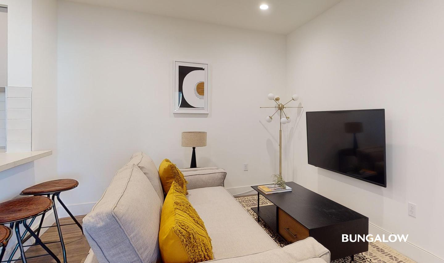 Apartments Near Los Angeles Private Bedroom in Polished Larchmont Apartment off Western Avenue for Los Angeles Students in Los Angeles, CA
