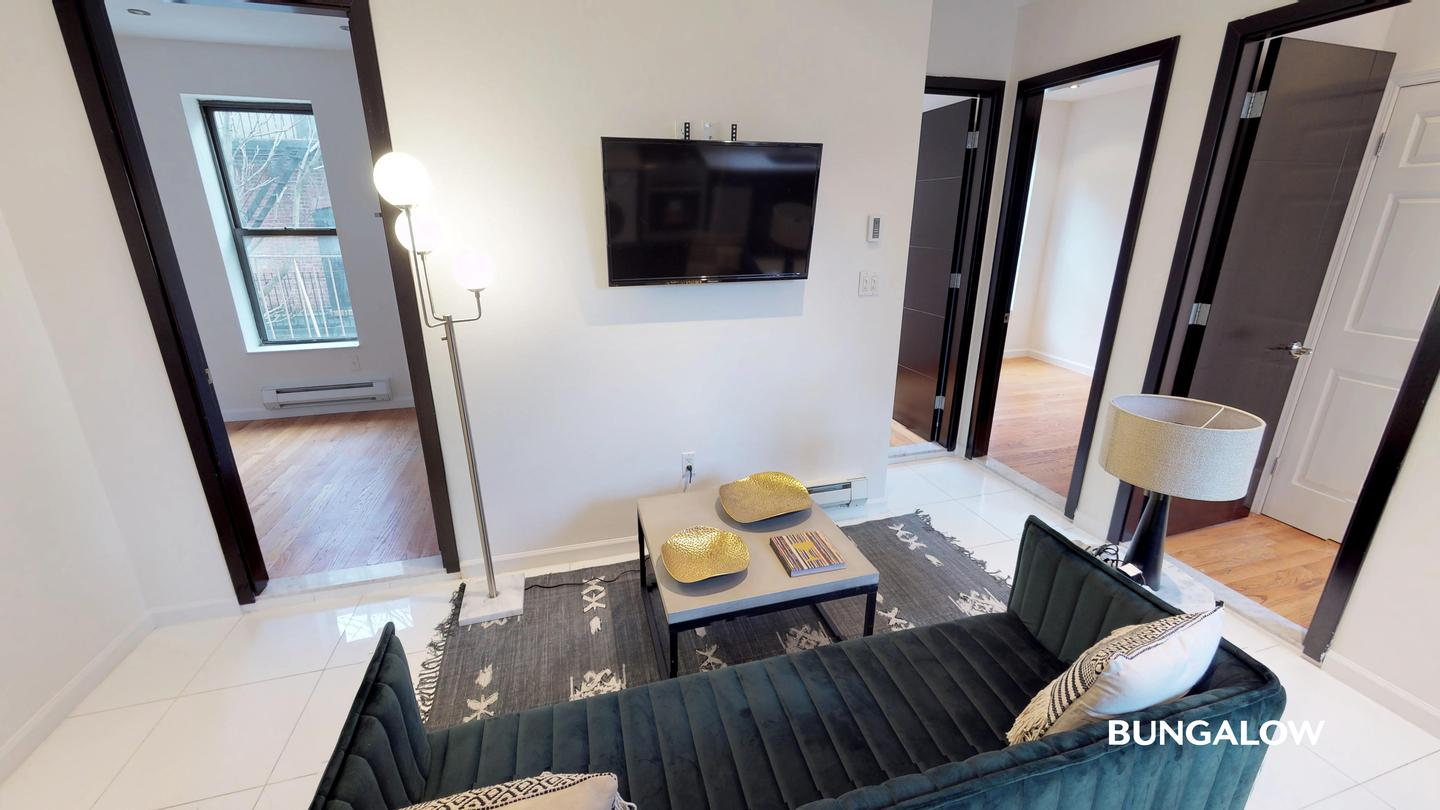 Sublets Near Bronxville Private Bedroom in Modern Upper West Side Apartment By The B Line for Bronxville Students in Bronxville, NY