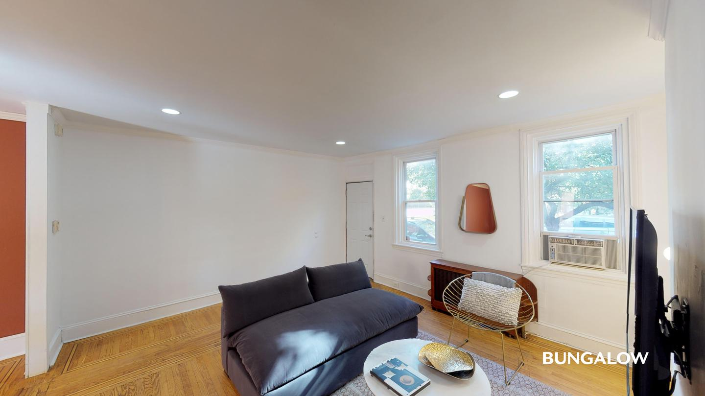 Sublets Near Pennsylvania Private Bedroom in Sunny Northern Liberties Townhome Near Girard Station for Pennsylvania Students in , PA