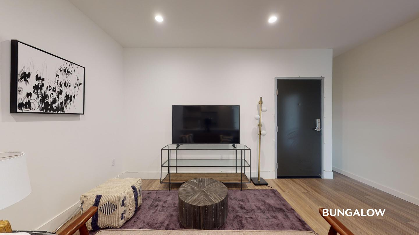Apartments Near Los Angeles Private Bedroom in Sleek Larchmont Apartment Near Melrose Ave for Los Angeles Students in Los Angeles, CA