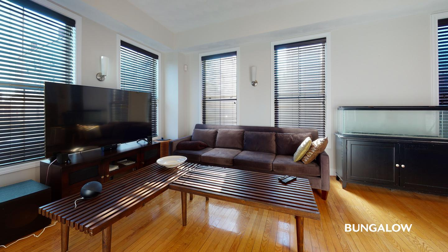 Sublets Near Endicott Private bedroom in beautiful Chelsea townhome minutes from downtown for Endicott College Students in Beverly, MA