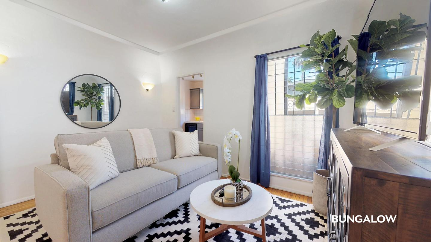 Sublets Near California Private Room in Classic Beverly Hills Home with Charming Backyard for California Students in , CA