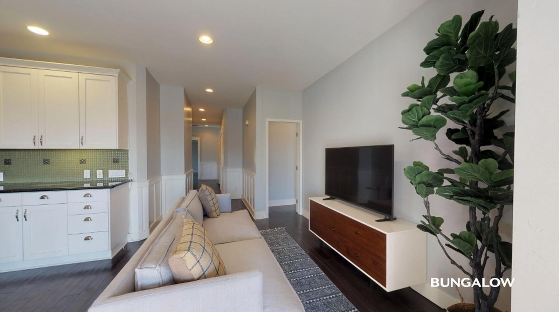 Sublets Near La Jolla Private Bedroom in Elegant Golden Hill Townhome with City Views for La Jolla Students in La Jolla, CA