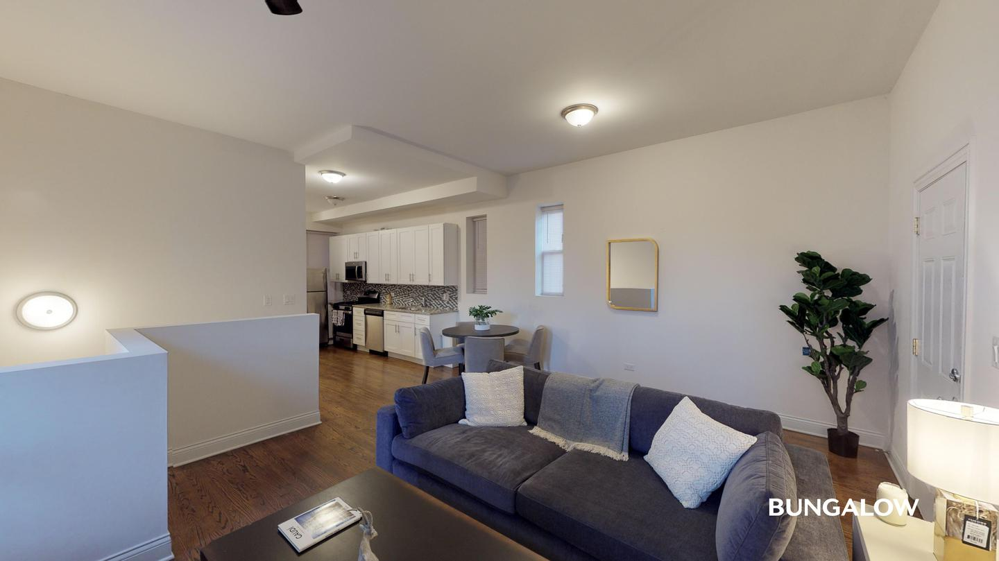 Apartments Near UIC Private Room in Spacious Modern Home Near West Loop for University of Illinois at Chicago Students in Chicago, IL