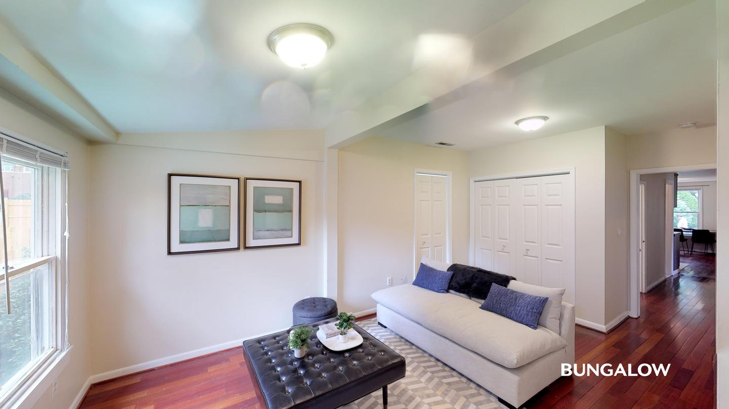 Sublets Near Virginia Private Bedroom in Lovely Silver Springs Home With Beautiful Backyard for Virginia Students in , VA