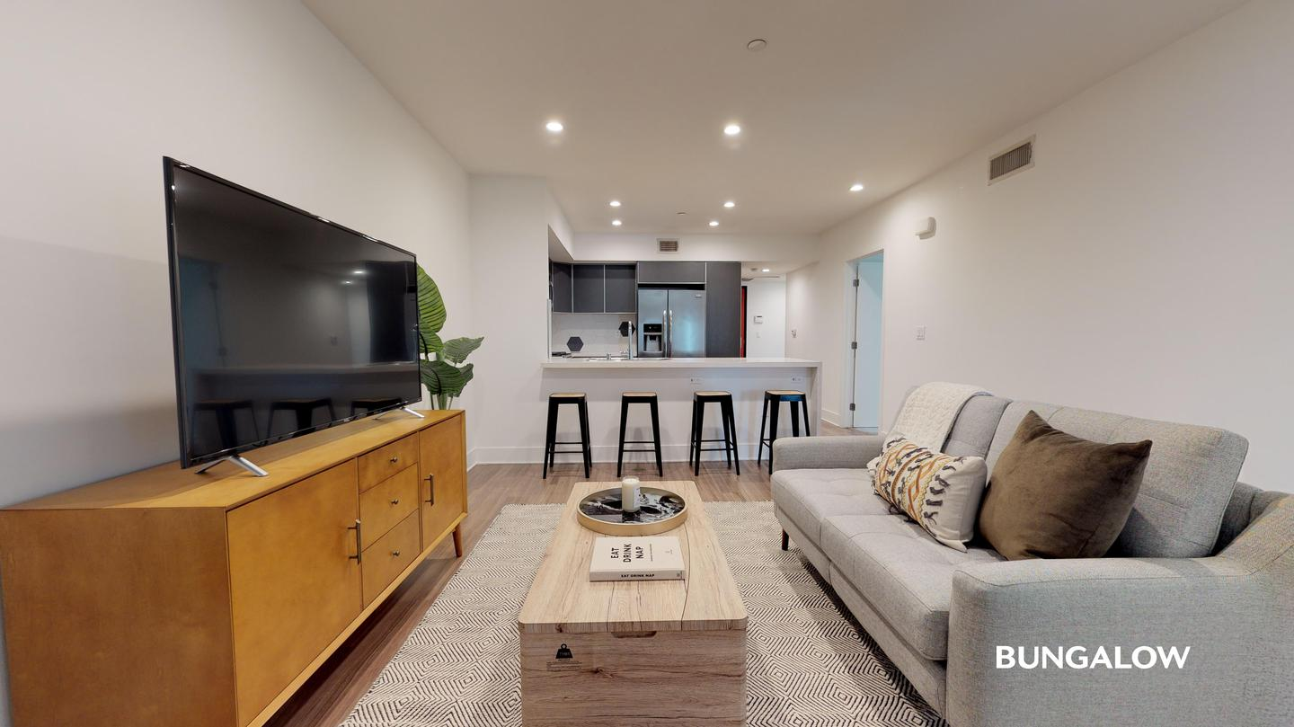 Apartments Near UCLA Private Room in Luxurious Beverly Grove Apartment Near Sunset Strip for University of California - Los Angeles Students in Los Angeles, CA