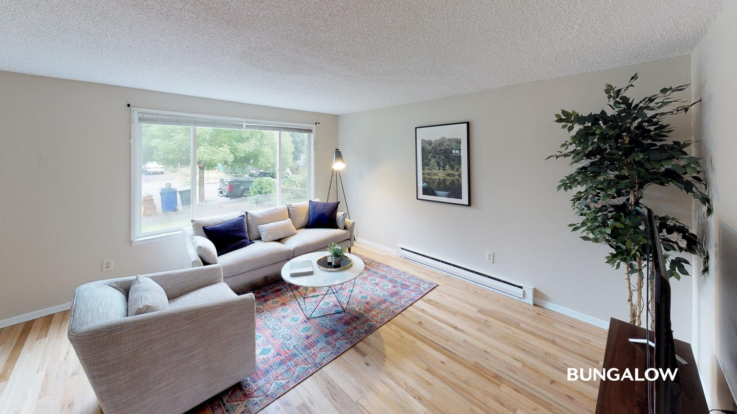 Sublets Near PSU Private Bedroom in Light-filled Townhome in the Heart of the Mississippi District | Pet Friendly for Portland State University Students in Portland, OR