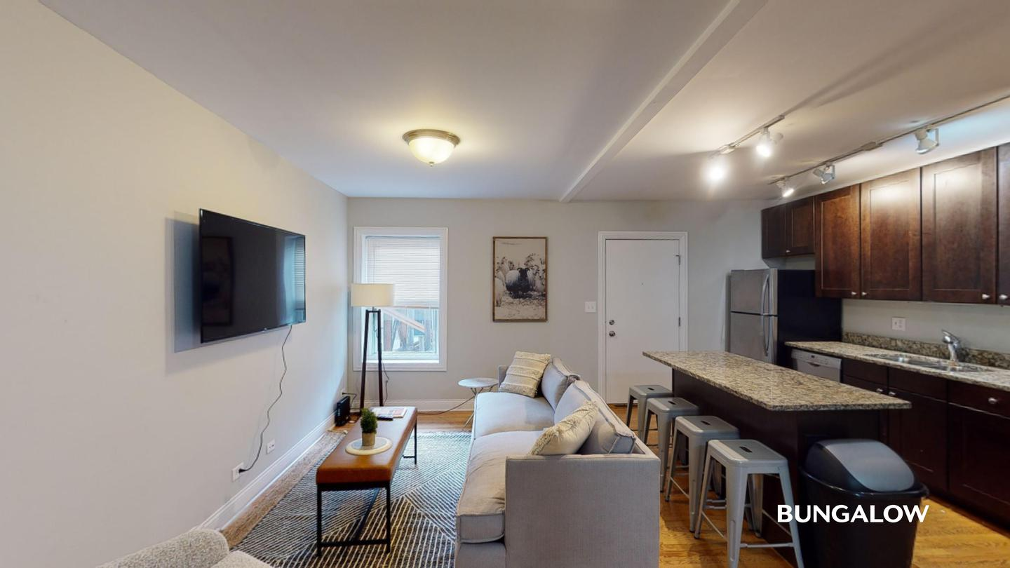 Sublets Near Concordia Private Bedroom in Stunning Lincoln Park Apartment by Fullerton L Stop for Concordia University Students in River Forest, IL
